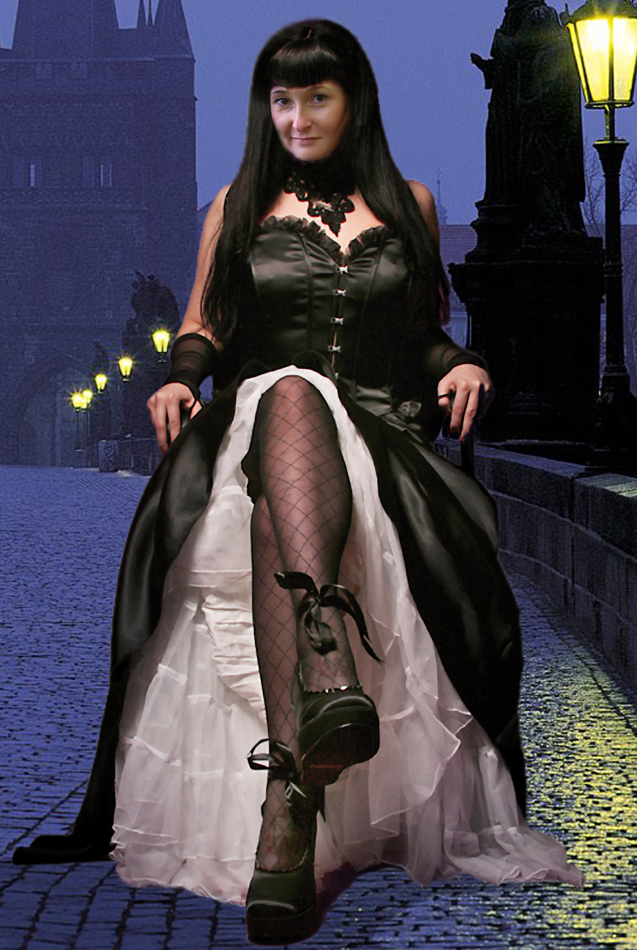 Шаблоны для photoshop.  Шаблон для фотомонтажа-девушка в черном платье.